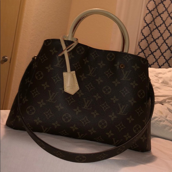d8967704d6a5 Louis Vuitton Handbags - Louis Vuitton Hot Stamp